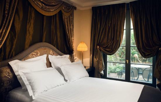 Photo of Hotel Athenee Paris