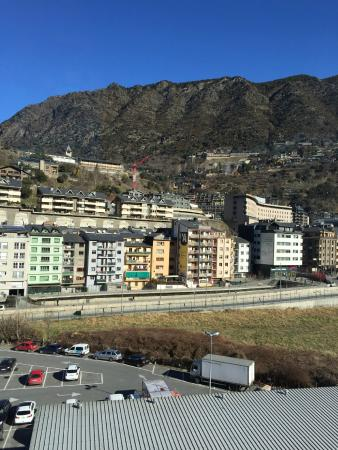 Hotel Pitiusa: вид из окна (начало марта)