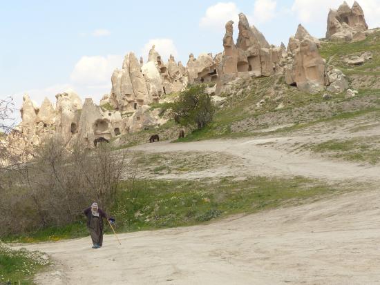 Elif Star Caves: Roads