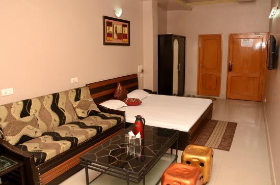 Narang Hotel & Restaurant