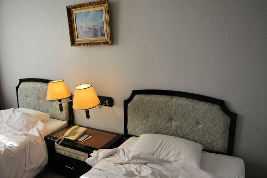 Lake Side Hotel: 室内
