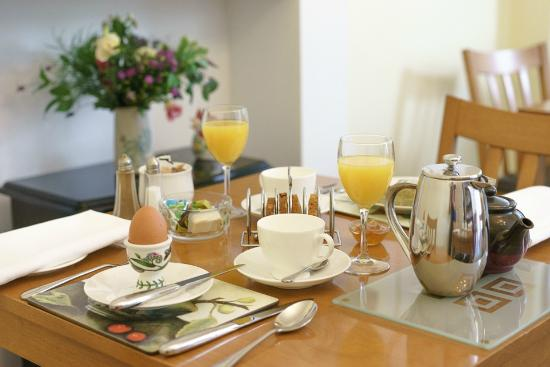 Barnabas House: breakfast