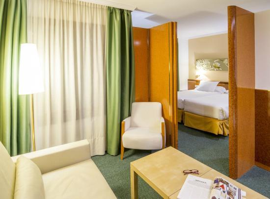 Acacia Suites : salon