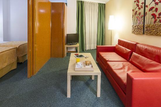 Acacia Suite: salon