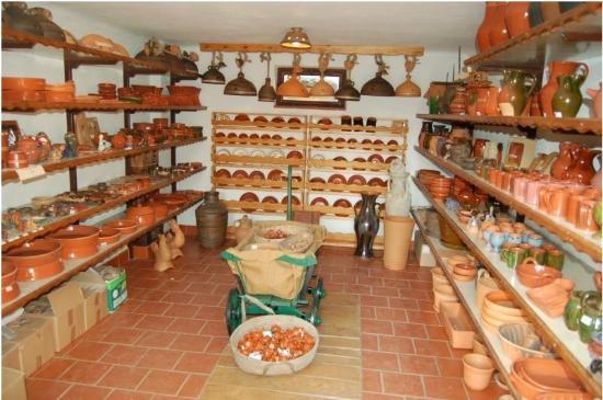 Zuman Pottery