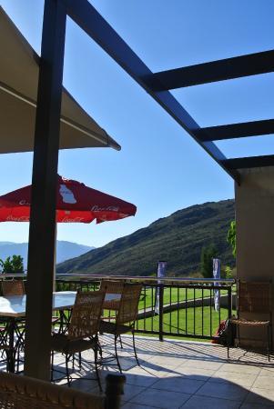 Piekenierskloof Mountain Resort : The veranda outside the dining area