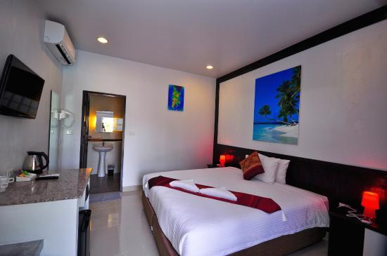 Phuket Airport Hotel : Room