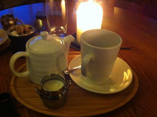 Fisherman's Haunt Hotel: Lovely cuppa after our meal