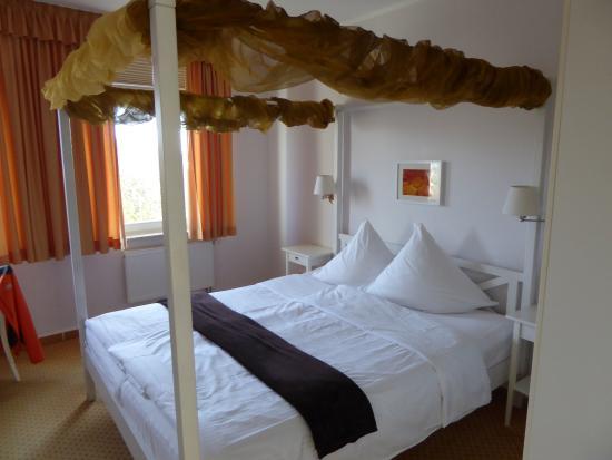 Hotel Villa im Park: Zimmer im obersten Stock, (habe kein Lift gesehen)