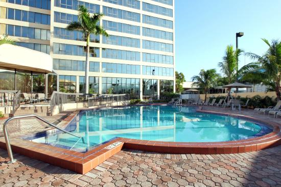 Poolside at the Howard Johnson Plaza Hotel Miami Airport Picture