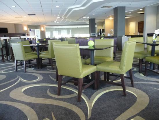 La Quinta Inn & Suites Denver Englewood Tech Ctr: New Lobby Decor