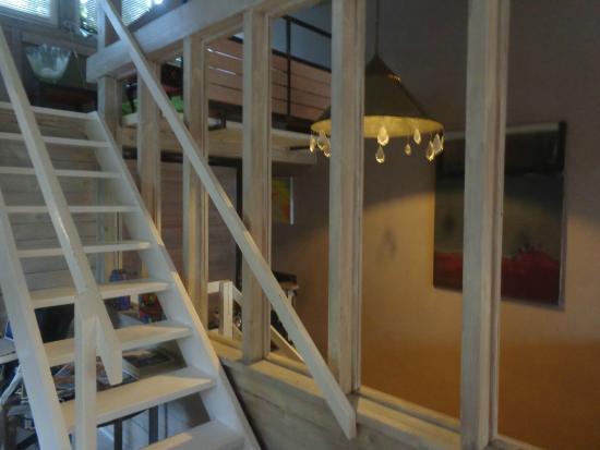 Apartamenty Galeria : stairs to mezzanine