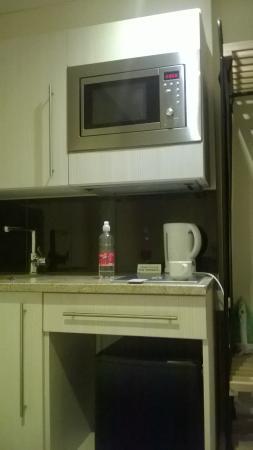 Marylebone Inn Hotel : mini kitchen