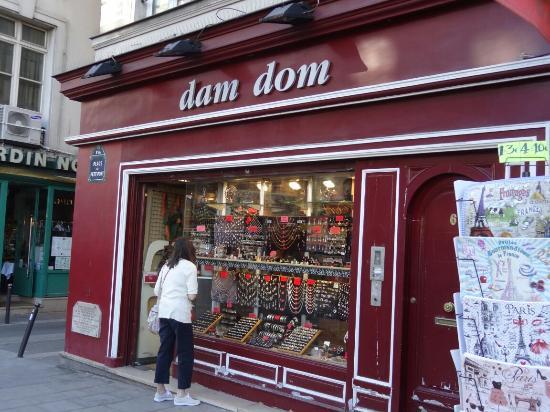Dam Dom