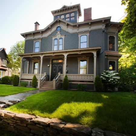 Made Inn Vermont An Urban Chic Boutique Bed And Breakfast Best Lake Champlain