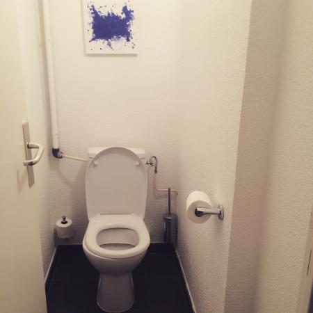 سيتادين كروازيت كان: Bagno senza lavandino ne doccia