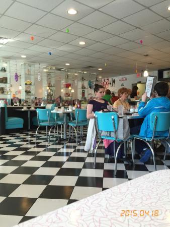 Lola's Diner