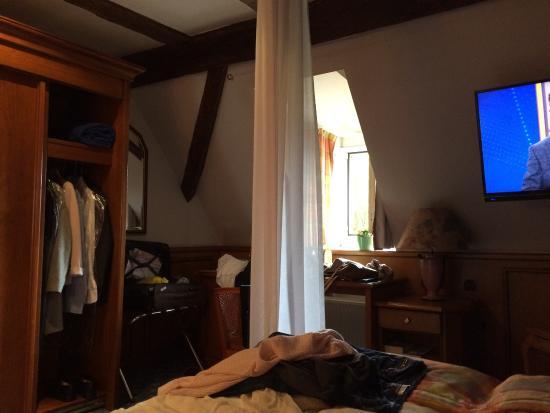 Hotel & Restaurant Zum Ochsen : Sehr kleine Zimmer und ziemlich warm.