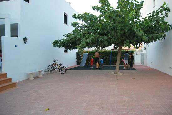 Apartaments els Romers: Parque infantil