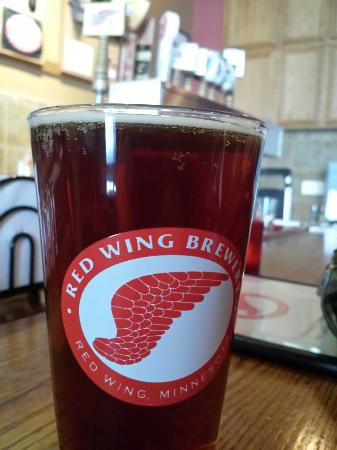Red Wing Brewery: Great brew pub!