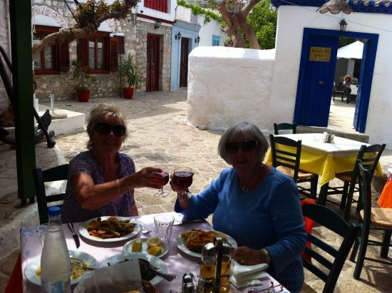 Xeri Elia Douskos: 2 very happy sisters!!!!!