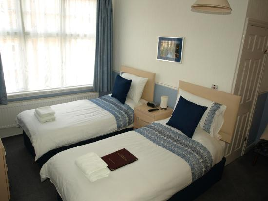 Lonsdale Villa: Twin room