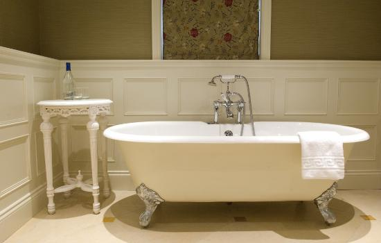 Rampsbeck Country House Hotel : Deluxe double bathroom