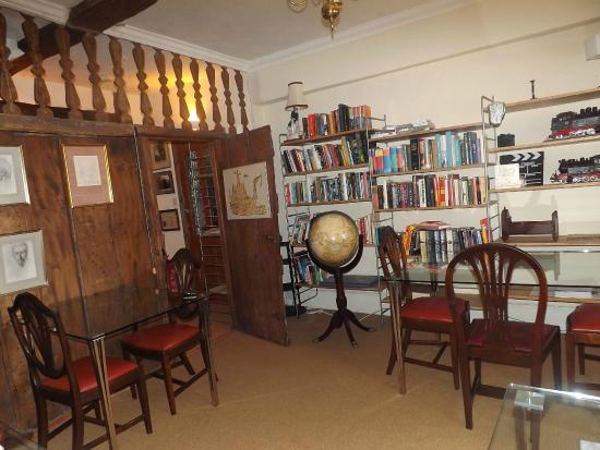 The Old Court House : Breakfast room