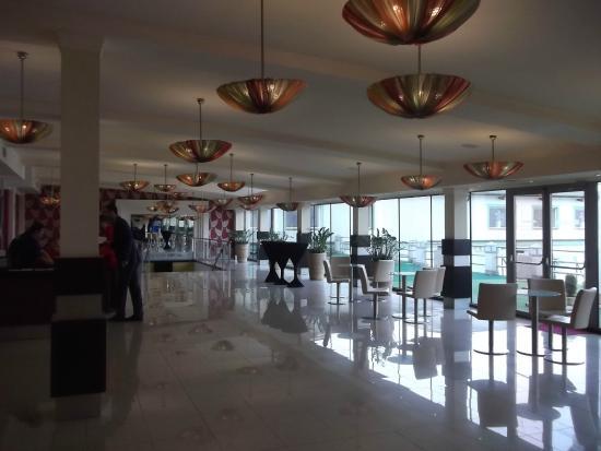 Parkhotel Plzen : hall d'entrée