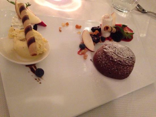 Vesuvio Roof Restaurant Sorrento: Volcán de chocolate