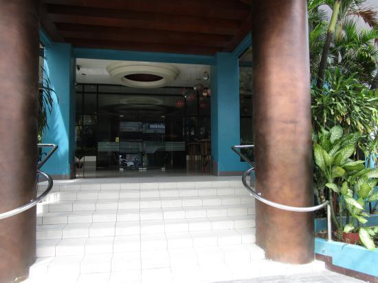 The Bellavista Hotel: Hotel Main Entrance