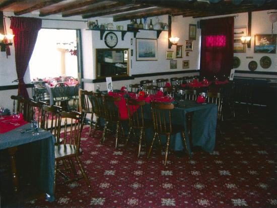 The Two Sawyers: Dining area