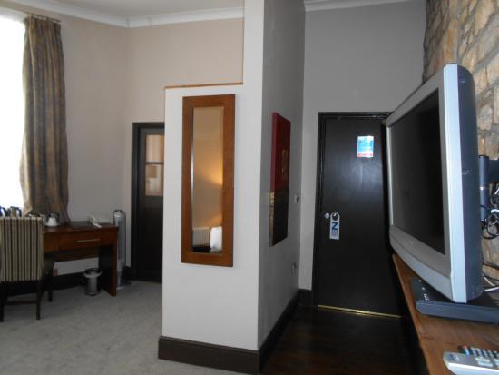 The Sun Hotel: luxury room 2