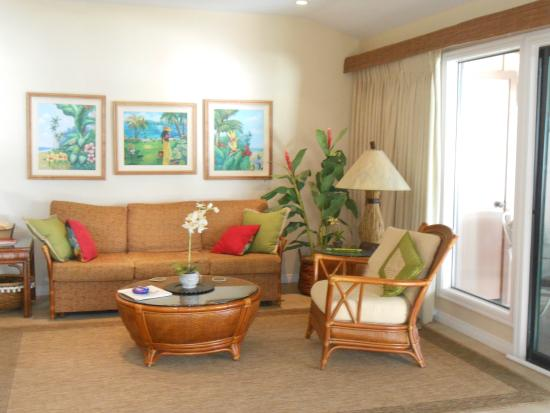 Puamana Townhomes: one of 2 couches in this room next to patio