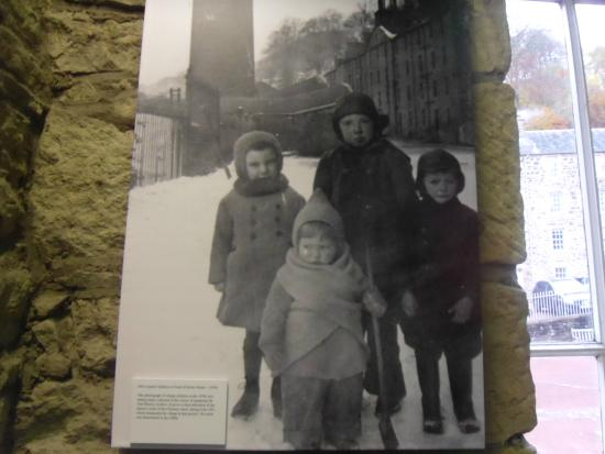 New Lanark World Heritage Village: The Children at New Lanark Mill