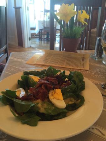 Elderberry Pond Restaurant: Spinach Bacon Salad