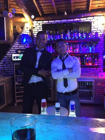 Majestic Hotel: Bar staff