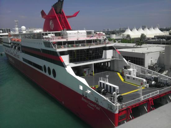 Karaoke And Easter Egg Hunts It Is All About Family And Kids - Bimini superfast cruise ship