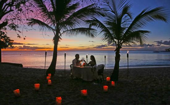East Winds Inn : Dinner on the Beach