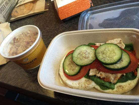 Panera Bread : Oatmeal, egg white, spinach, tomato and turkey bowl