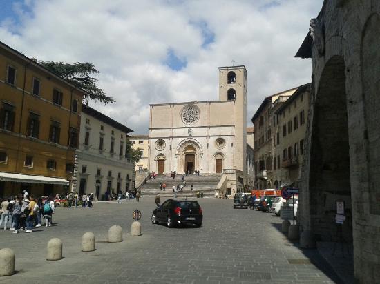 Todi, Italien: Cattedrale della Santissima Annunziata