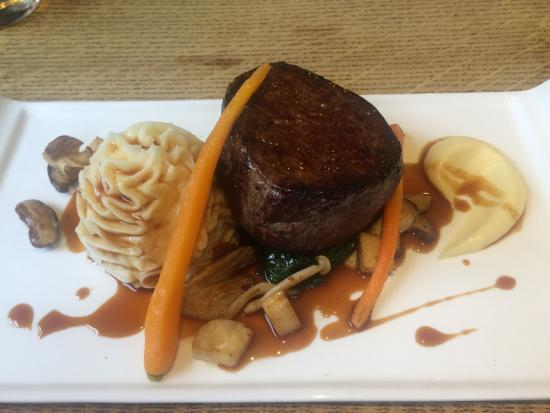 The Wheatsheaf at Bough Beech : Fillet of beef