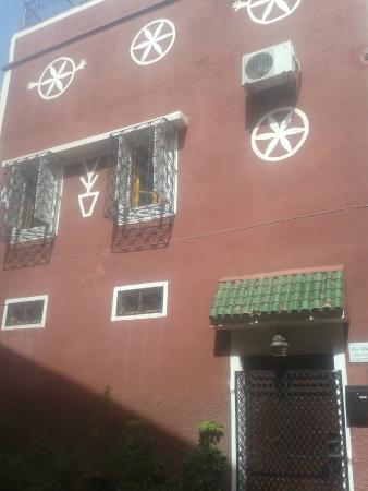 Riad Dar Tiflet: Dar Tiflet de l'extérieur