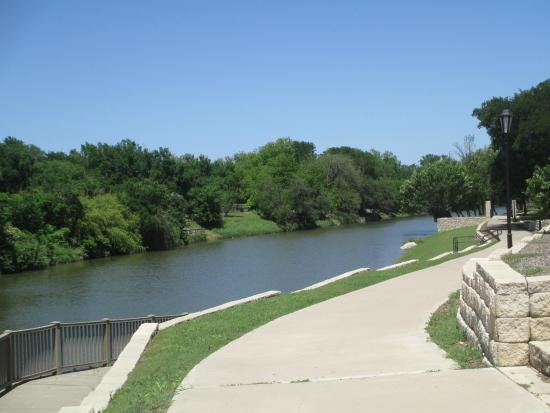 Glen Rose, TX: Views of the Paluxy River