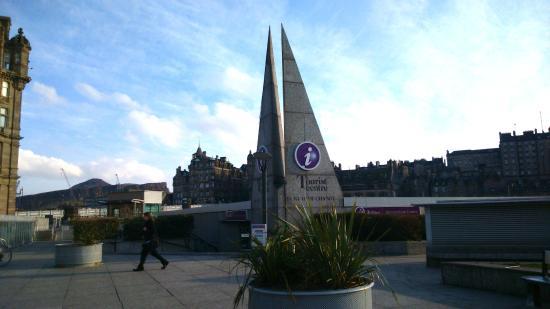 VisitScotland Edinburgh Icentre: Tourist Information on Princes Street