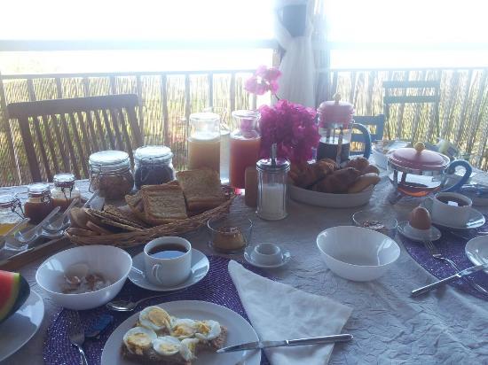 Harmonie Creole: Breakfast