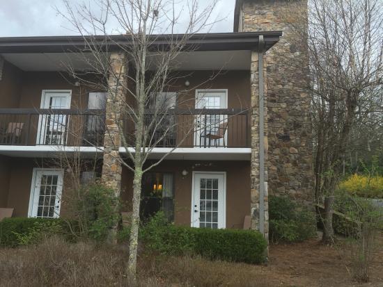 Highlands Inn Lodge : New paint job