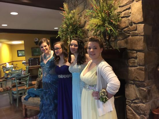 Highlands Inn Lodge : All dressed up!