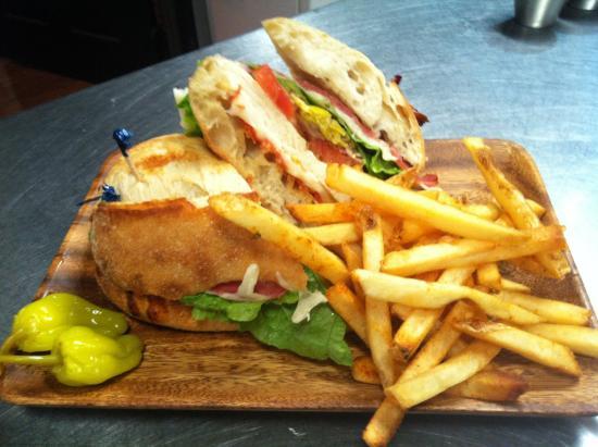 Alibi Bar & Cafe: Grinder Sandwich