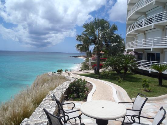 Rainbow Beach Club : View from top pool